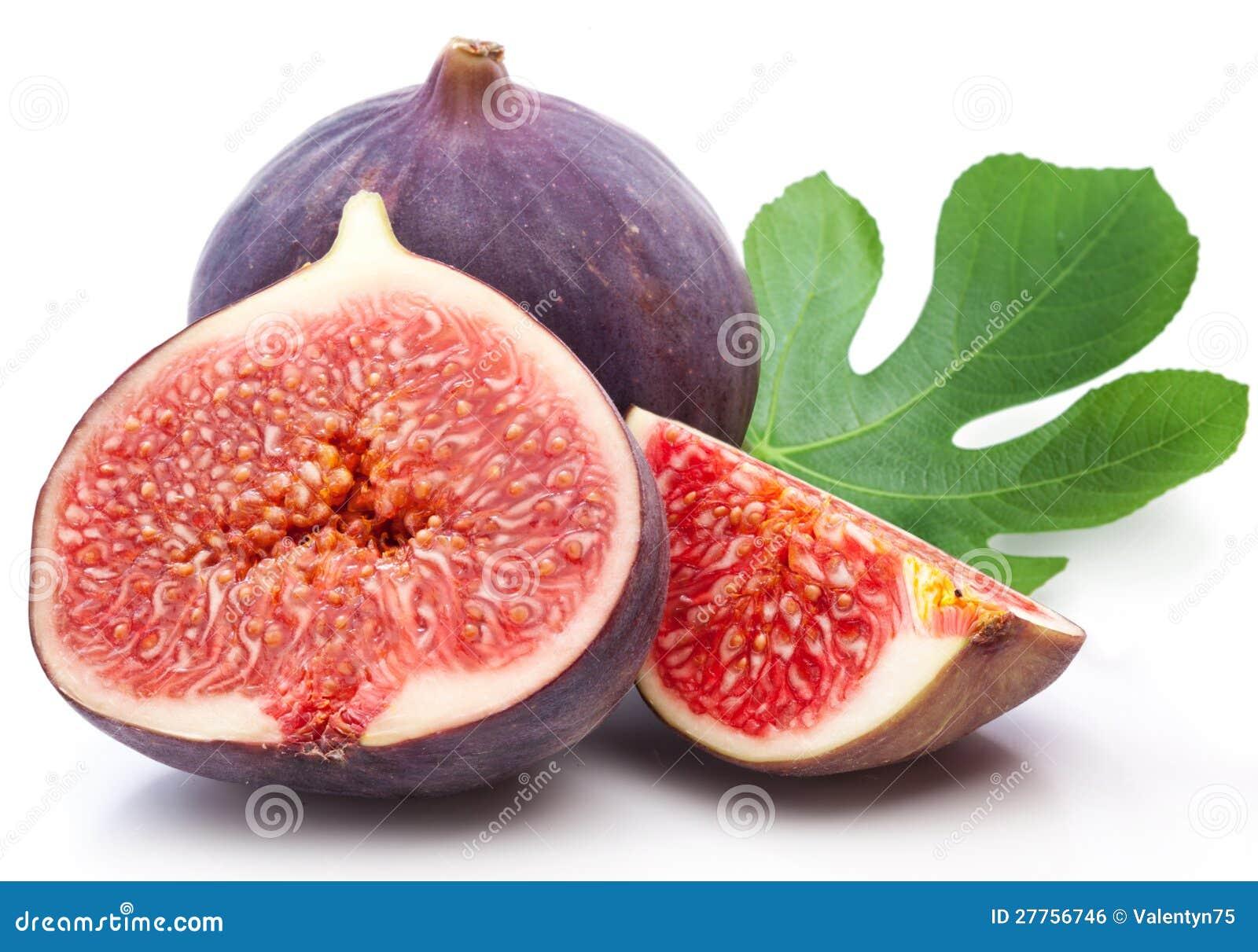 Porte des fruits les figues