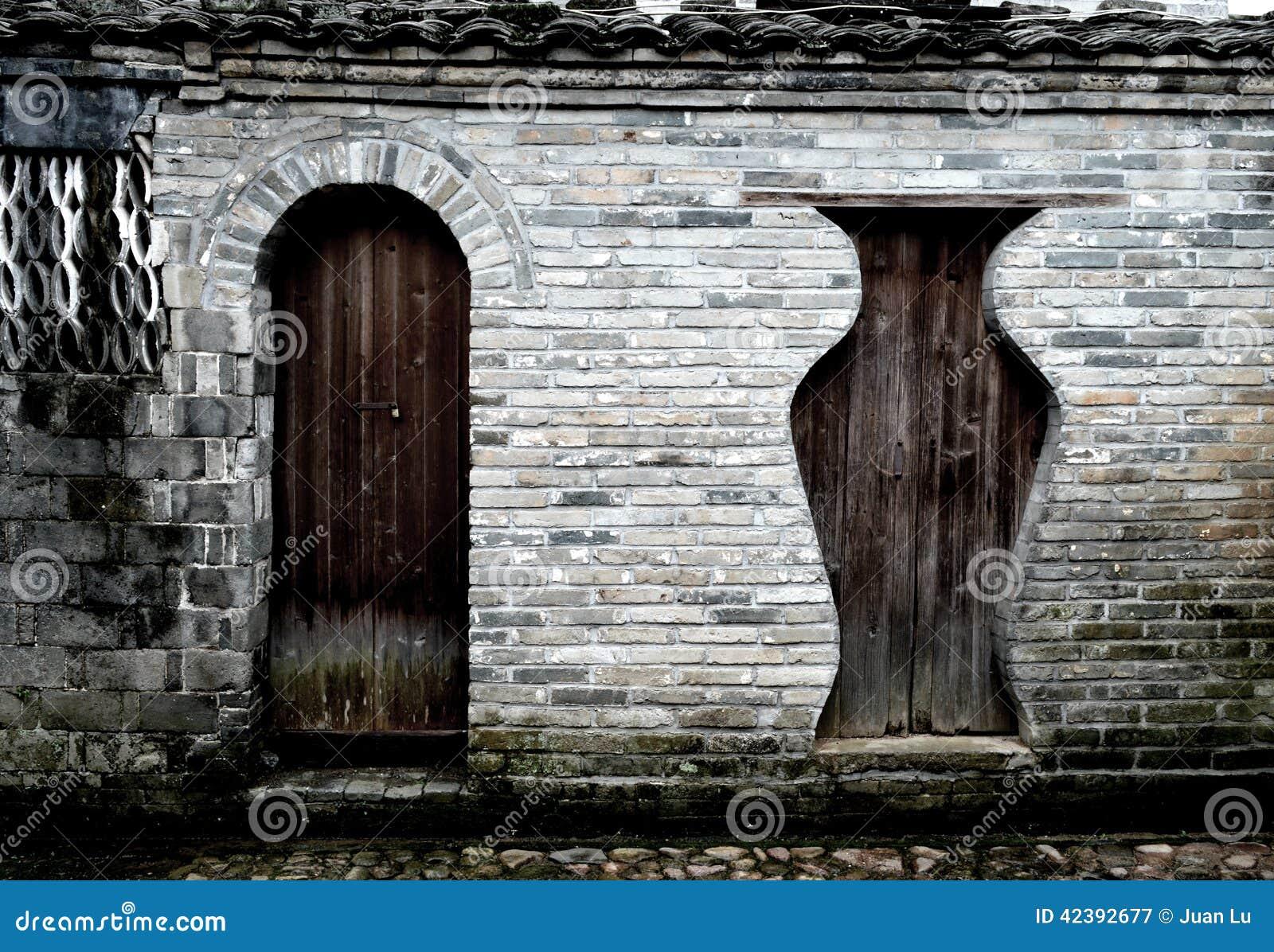 Porte di legno antiche cinesi immagine stock immagine for Porte antiche prezzi