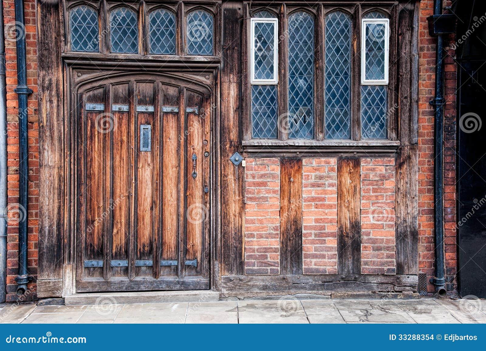 Porte et fenêtres de Tudor