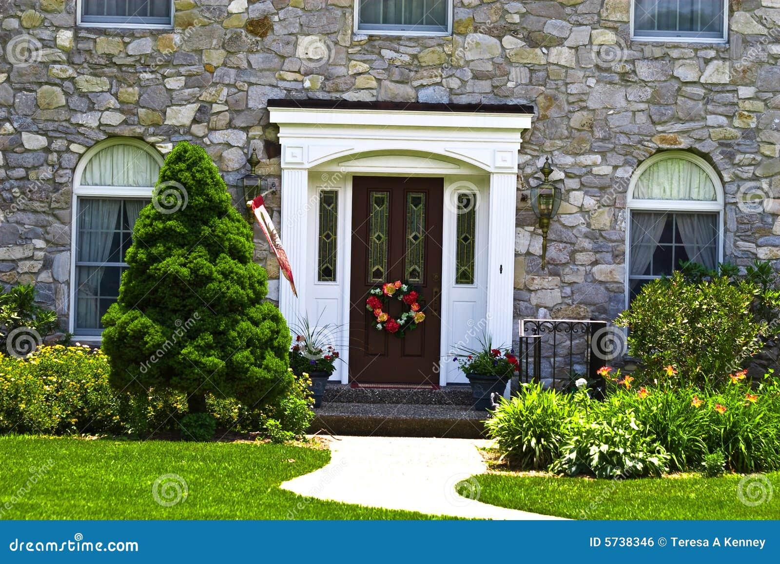 Porte la maison moderne image libre de droits image 5738346 - Porte de maison moderne ...