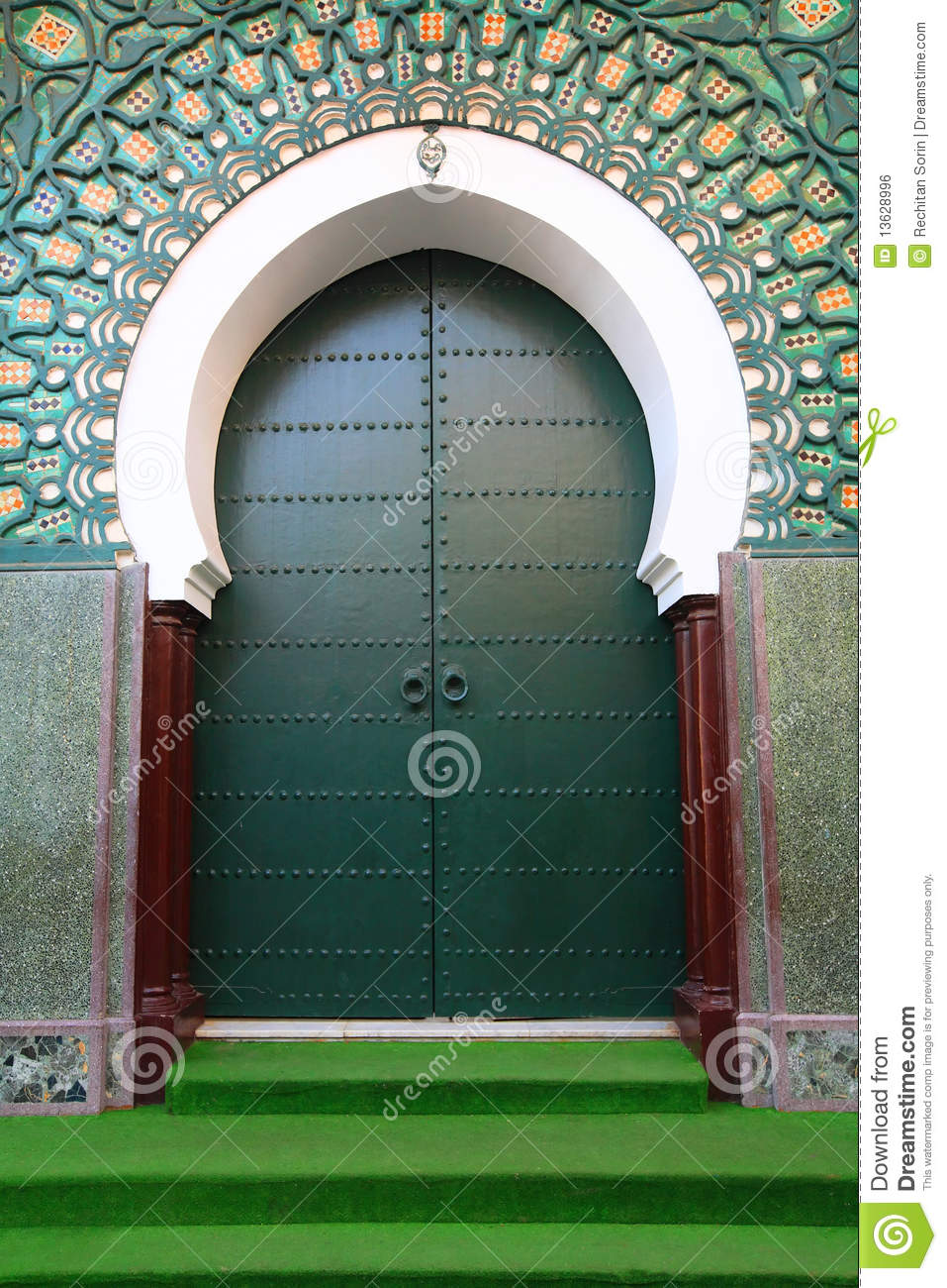Porte marocaine traditionnelle photo stock image 13628996 for Porte de versailles salon maroc