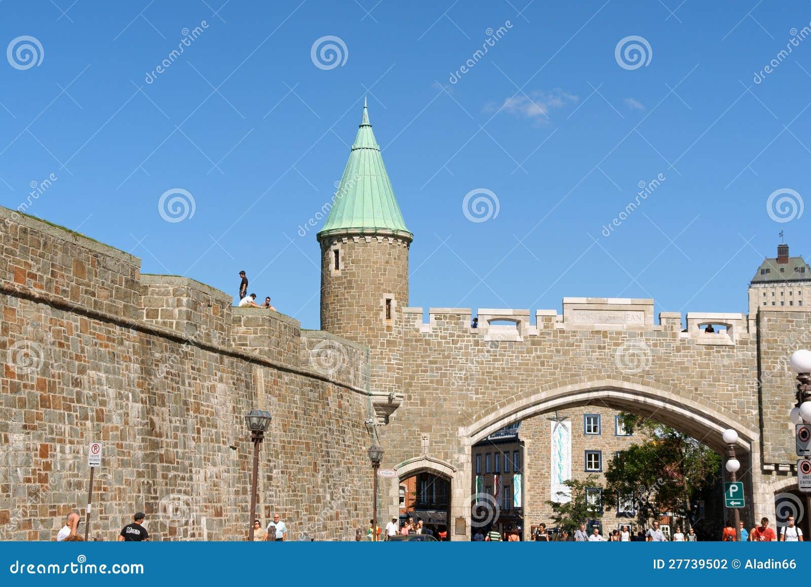 Porte saint jean city gate in quebec city editorial for Porte quebec