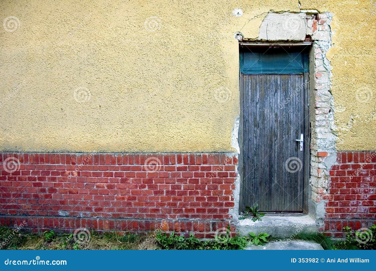 Portello in parete dell intonaco e del mattone