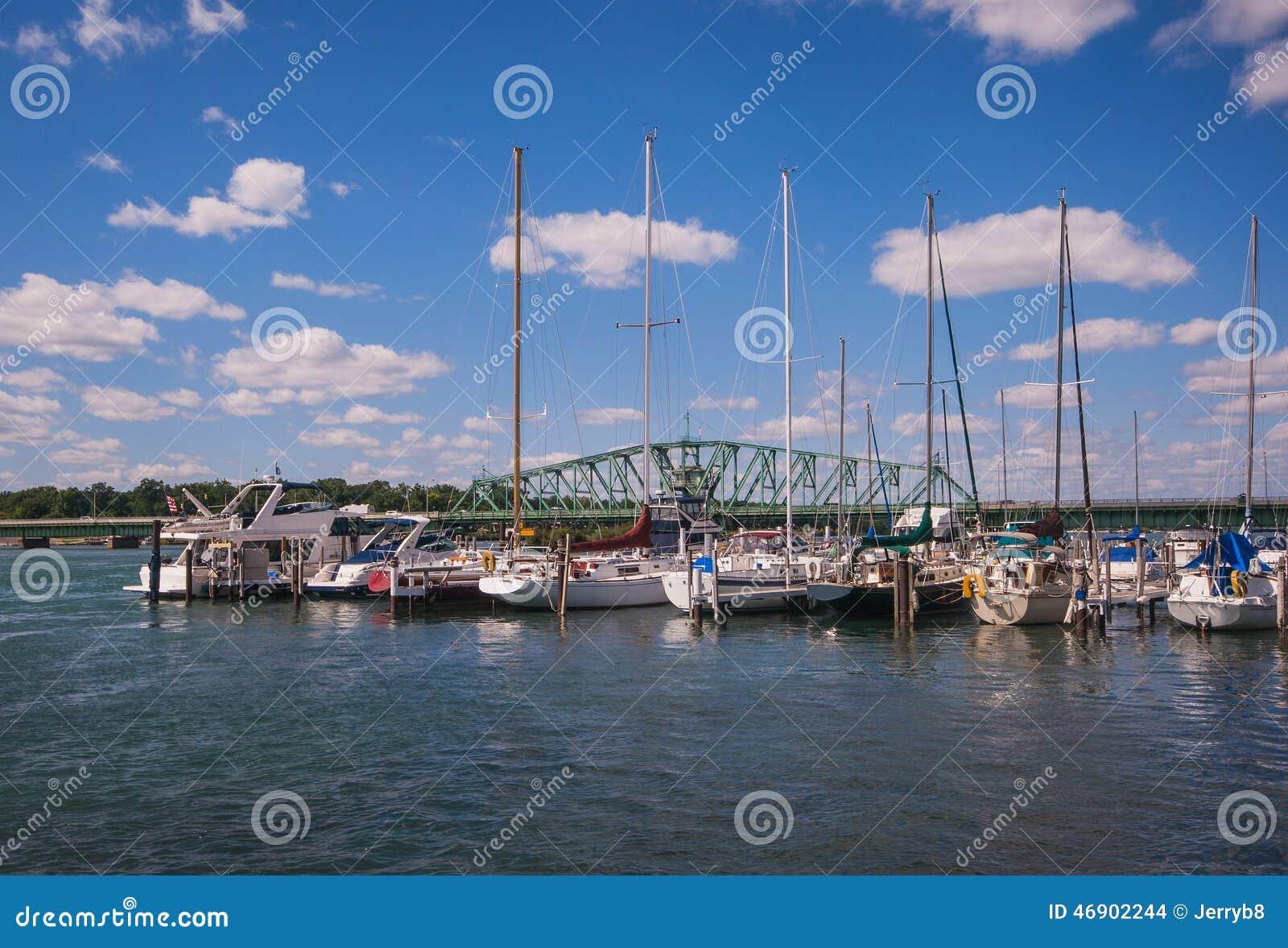 Porticciolo del sud della barca di detroit river for Affitti della cabina del lago del michigan