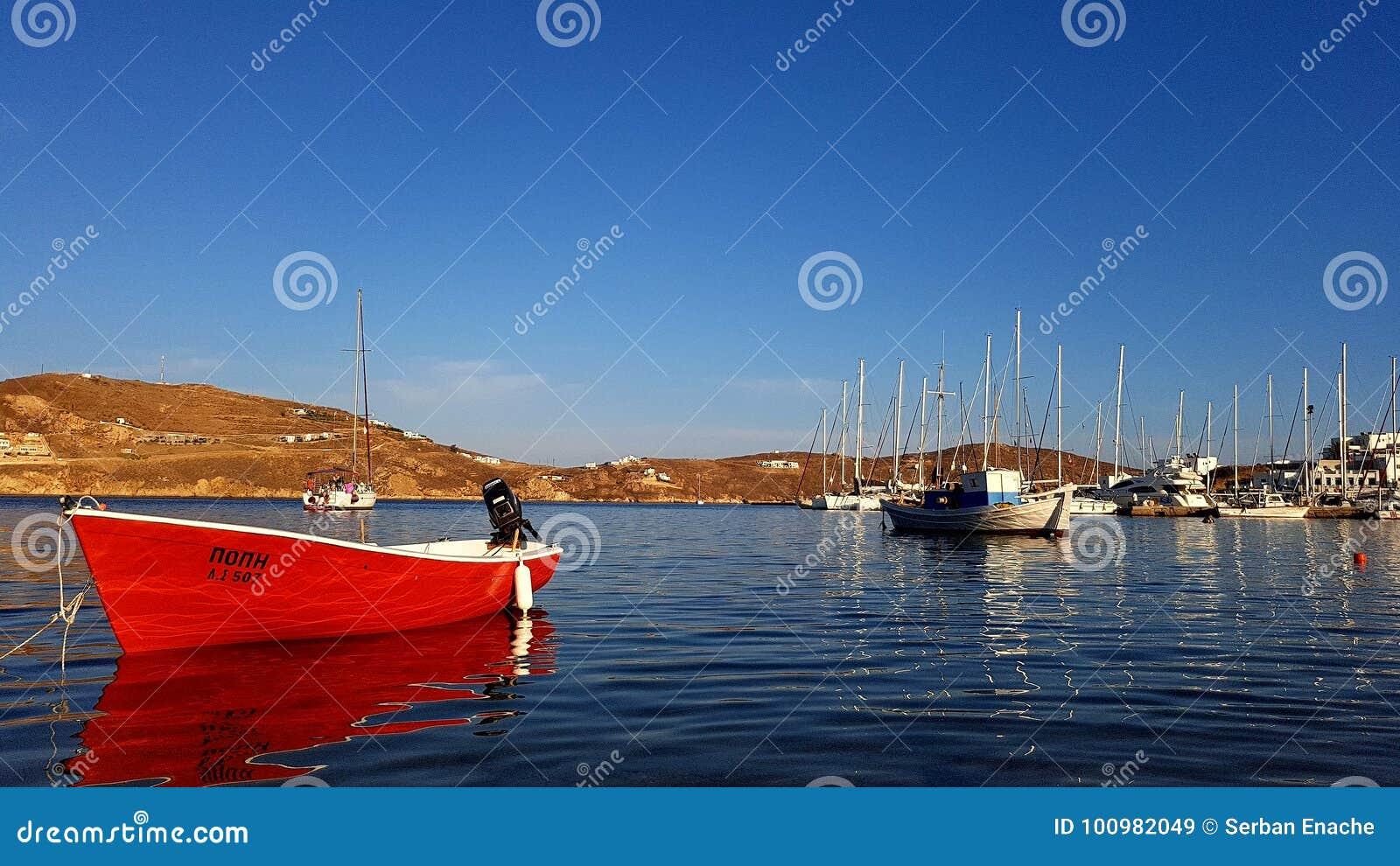 Porticciolo di Livadhi sull isola di Serifo