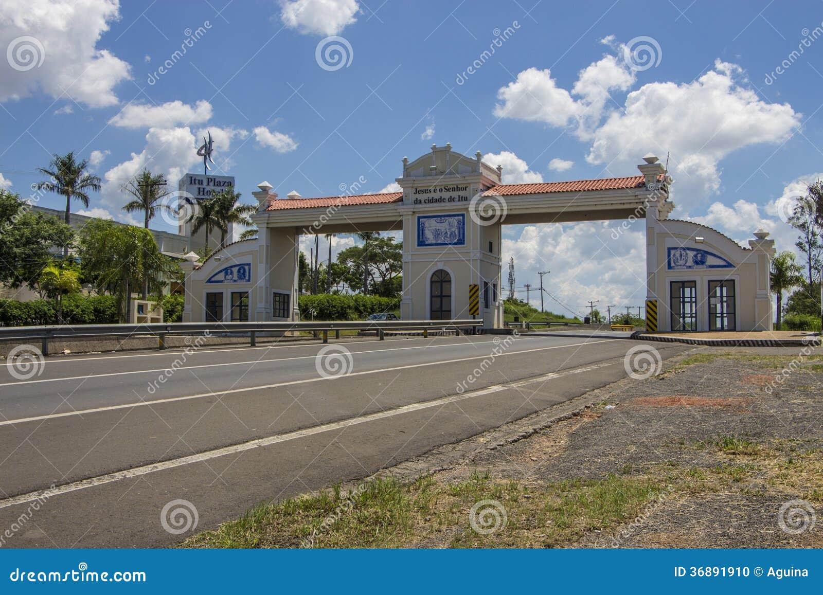 Download Portico Della Città Del Itu - Brasile Immagine Editoriale - Immagine di turismo, portale: 36891910
