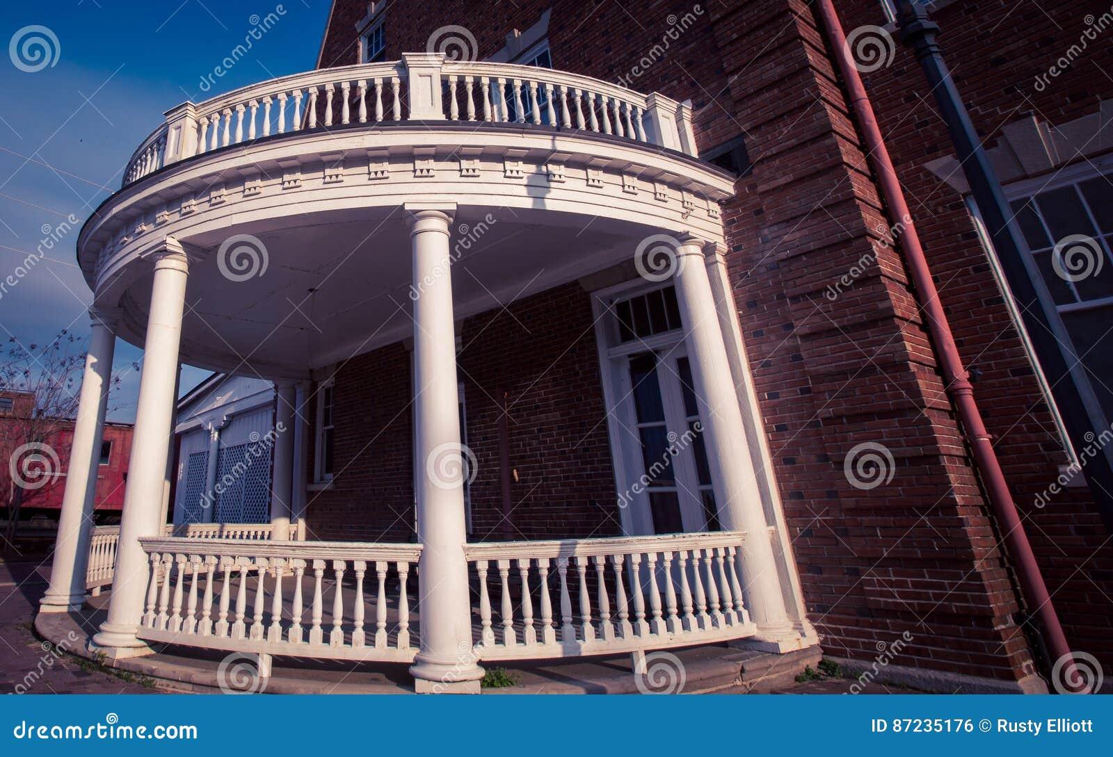 Portico Di Legno Rotondo Fotografia Stock Immagine Di Veranda