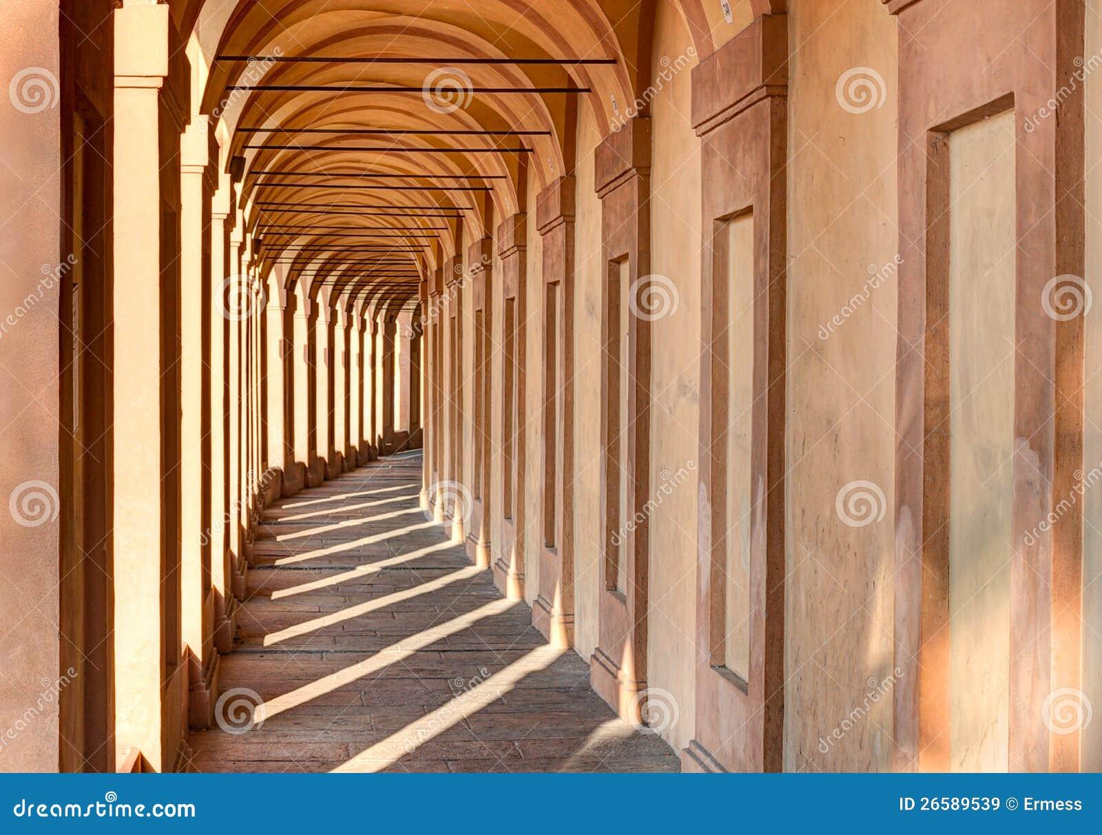 Portico di san luca bologna immagini stock libere da for Disegni del portico laterale