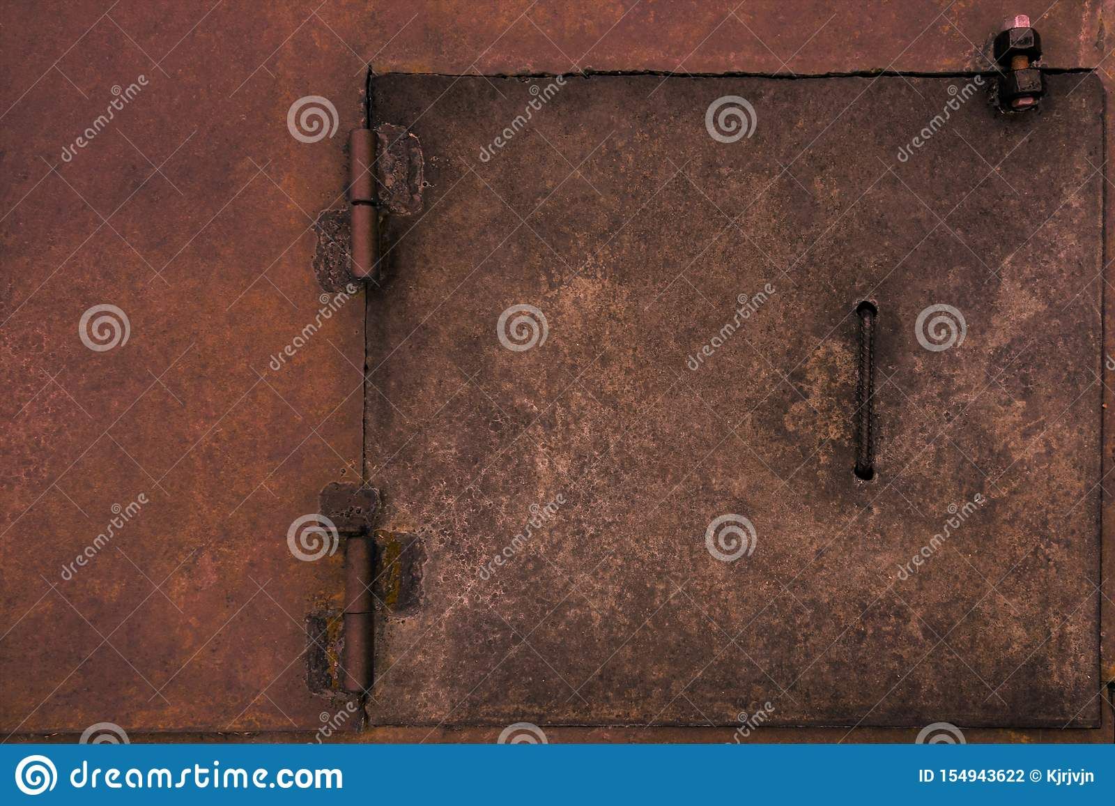 Portilla rústica de la puerta del metal Superficie industrial resistida del vintage con los puntos de soldadura y el fondo áspero