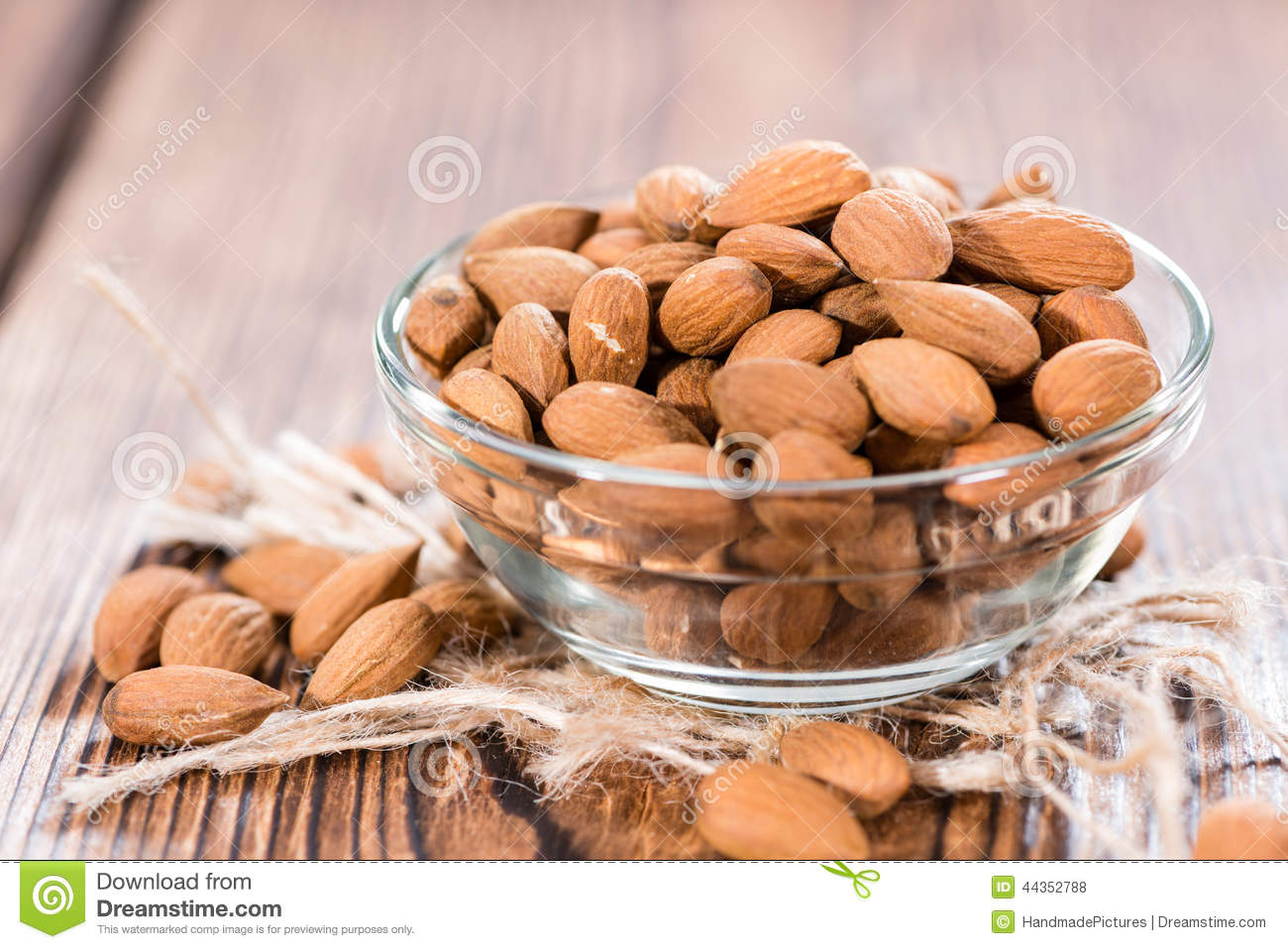 Portion of dried Almonds
