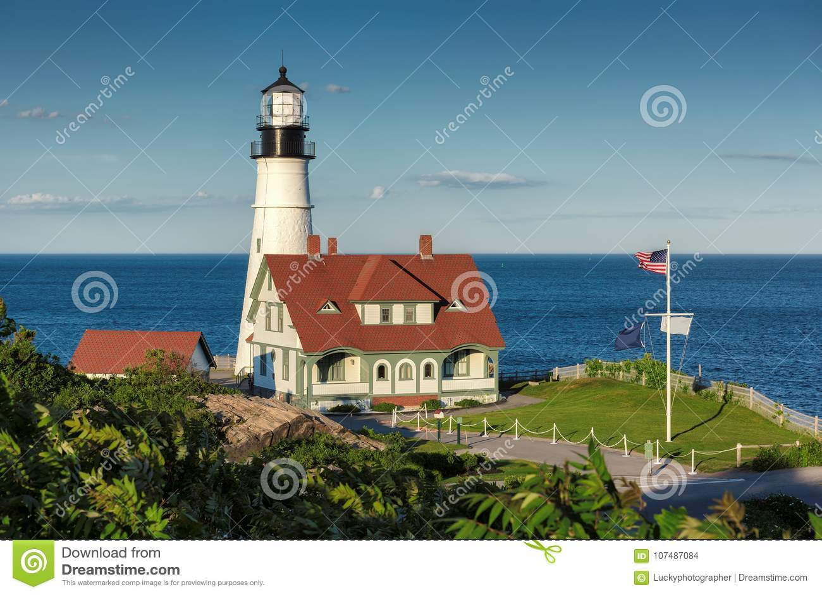 Portland dirige la luce al tramonto in capo Elizabeth, Maine, U.S.A.
