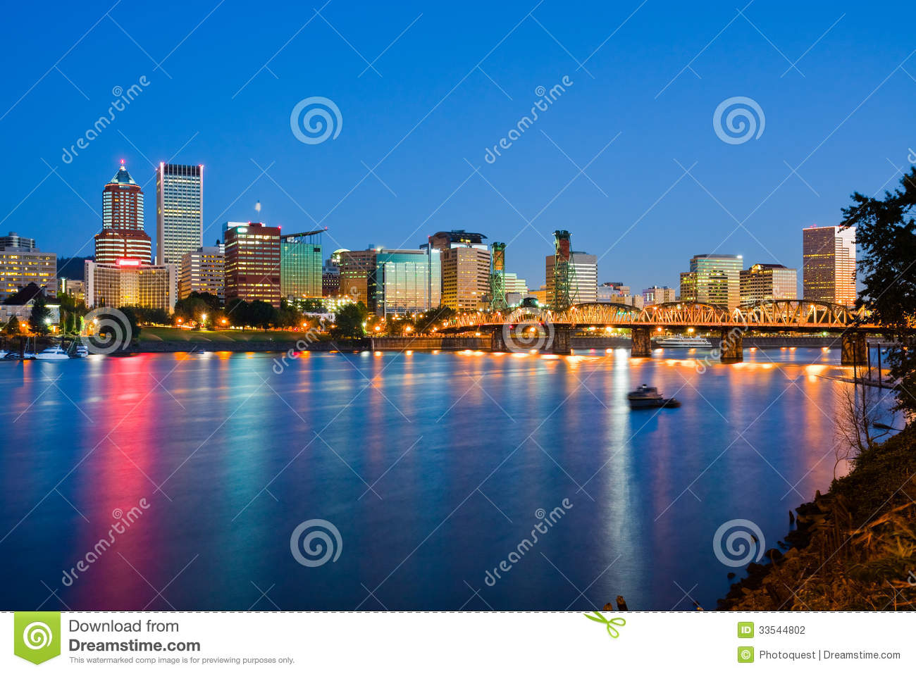 Portland stock photography image 33544802 for Mercedes benz downtown portland