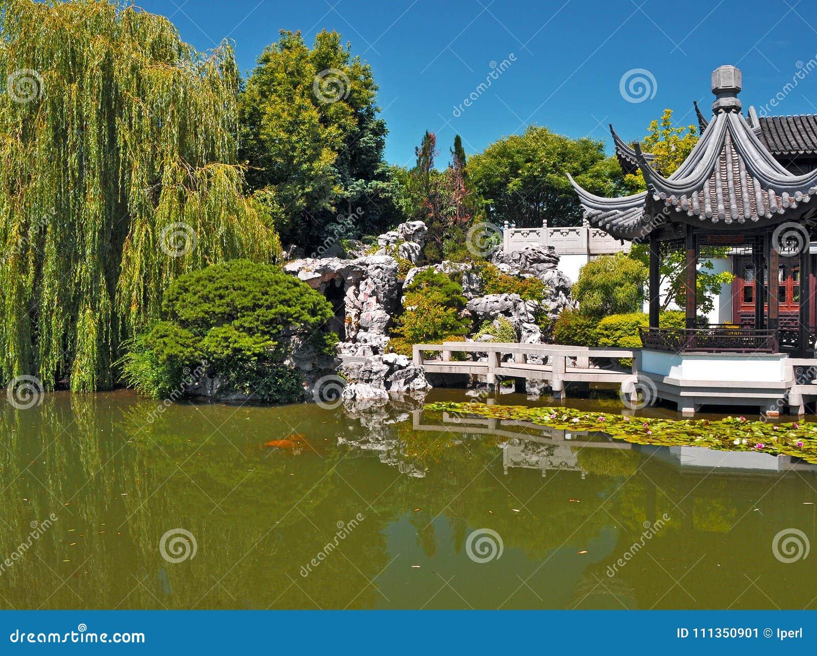 portland lan su chinese garden stock image - image of