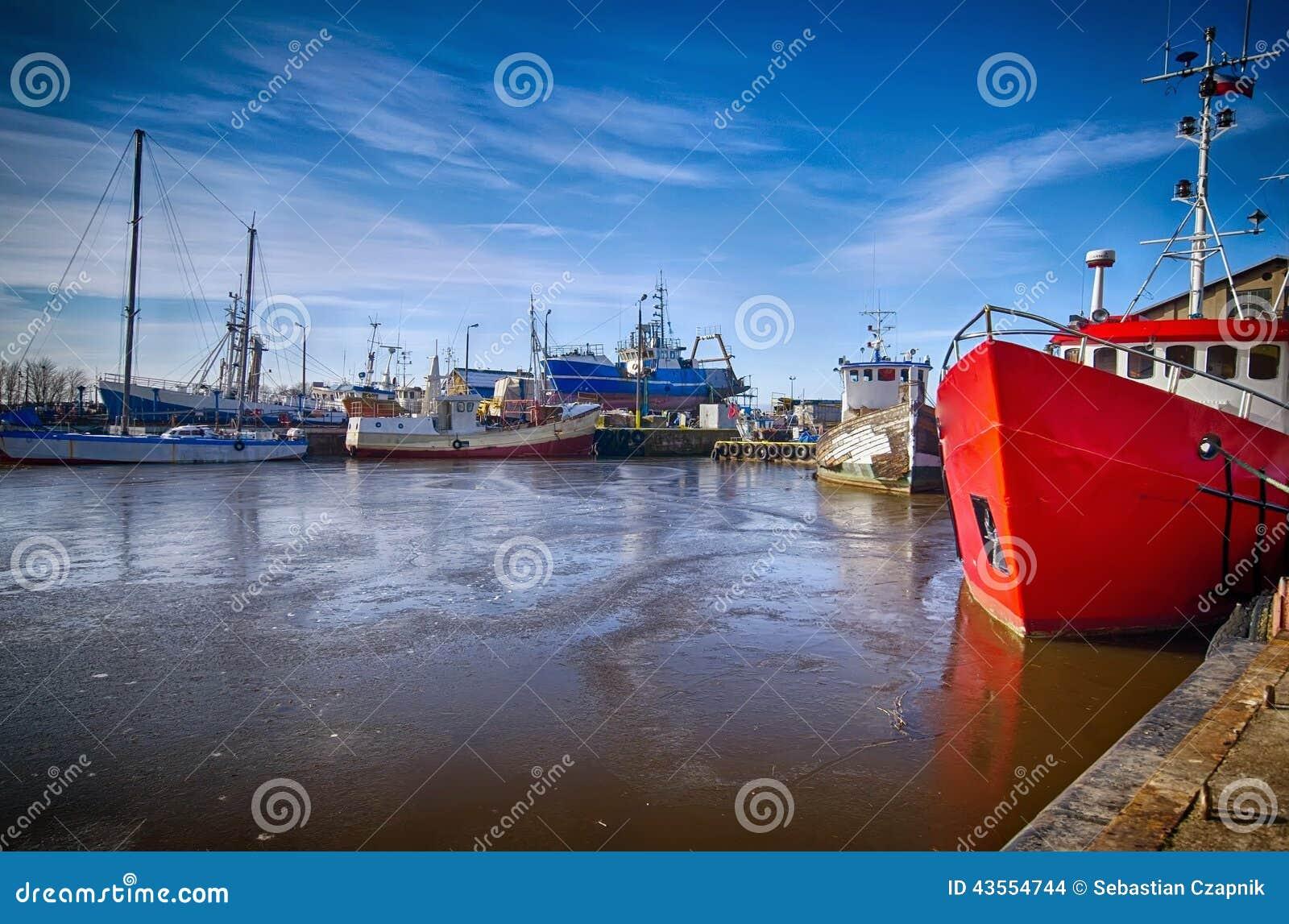 Porto de Darlowo no inverno