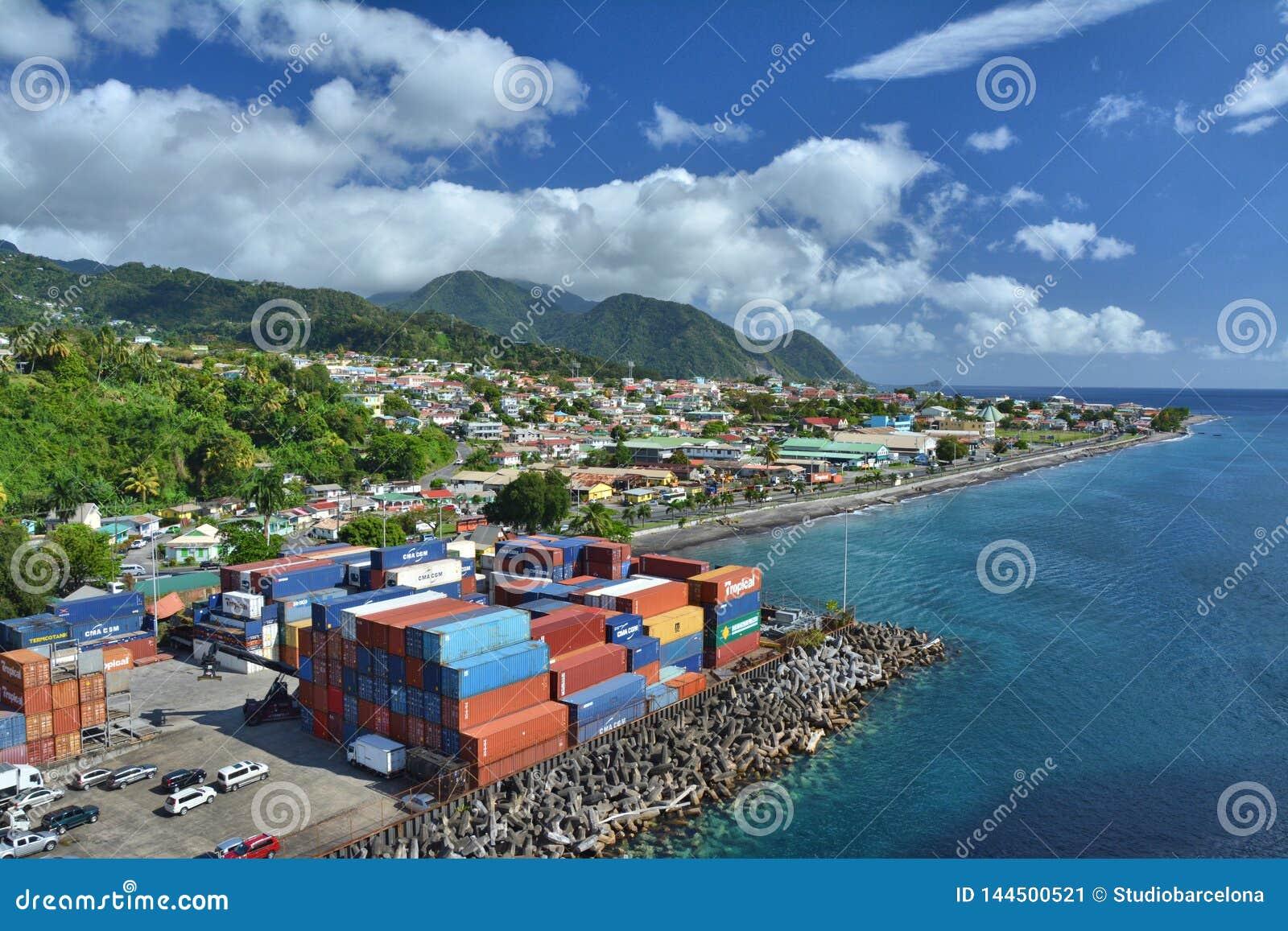 Porto della città di Roseau sull isola della Dominica, i Caraibi