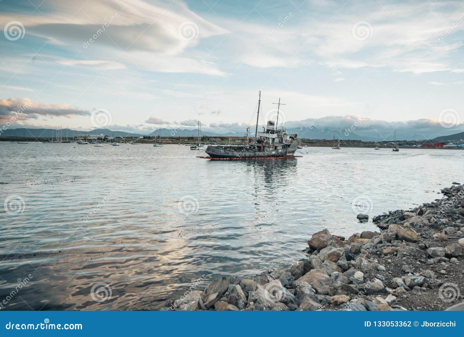 Porto di Ushuaia del naufragio
