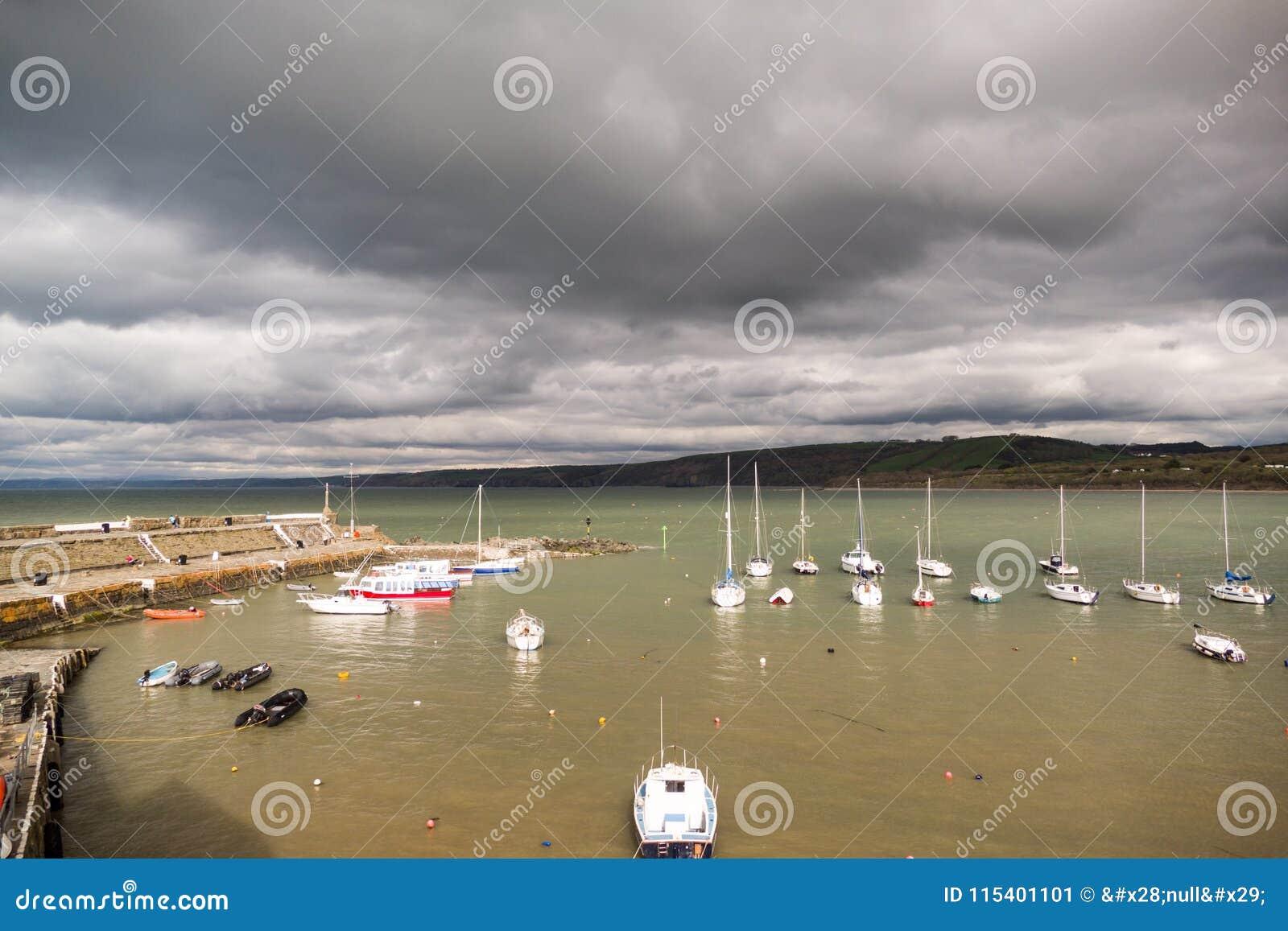 Porto di vista sul mare
