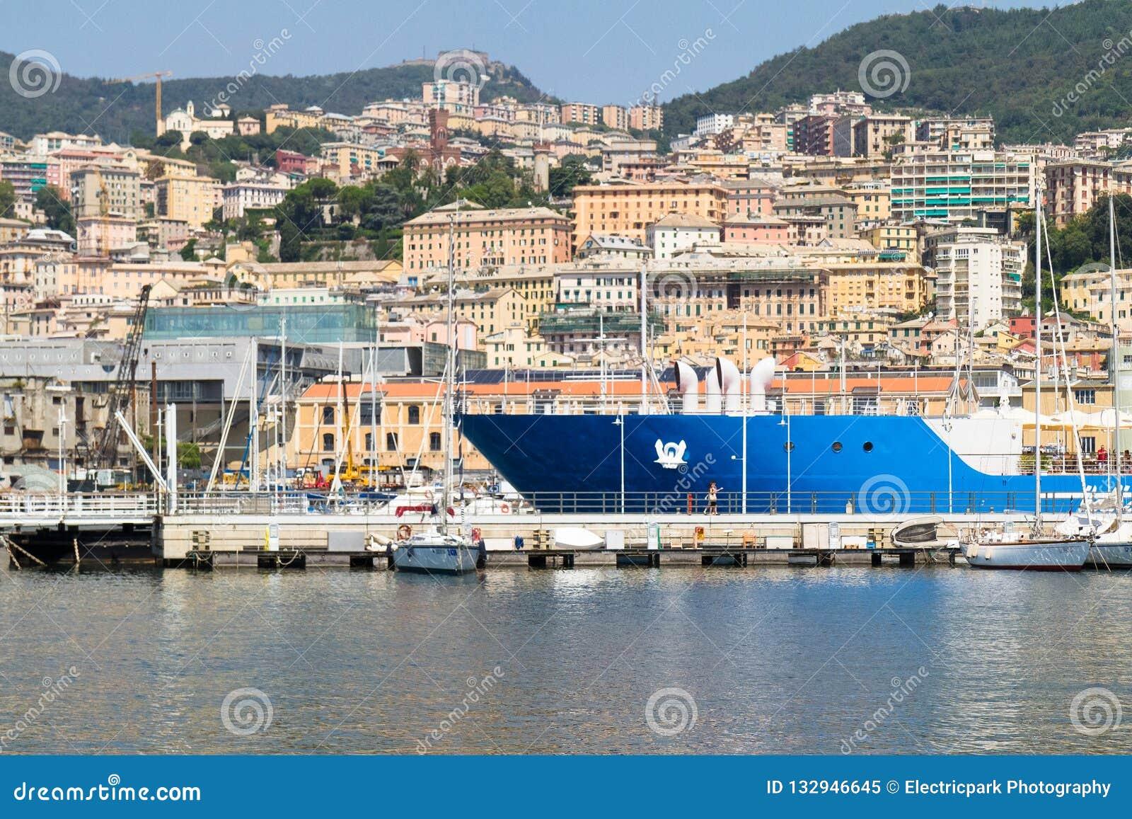 Porto e terrazzi, Genova, Italia