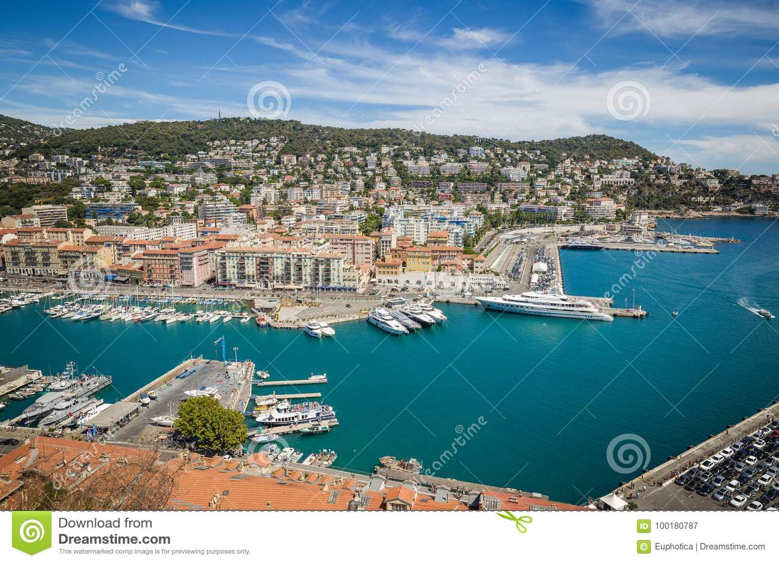 Porto Lympia como visto de Colline du castelo - agradável, França