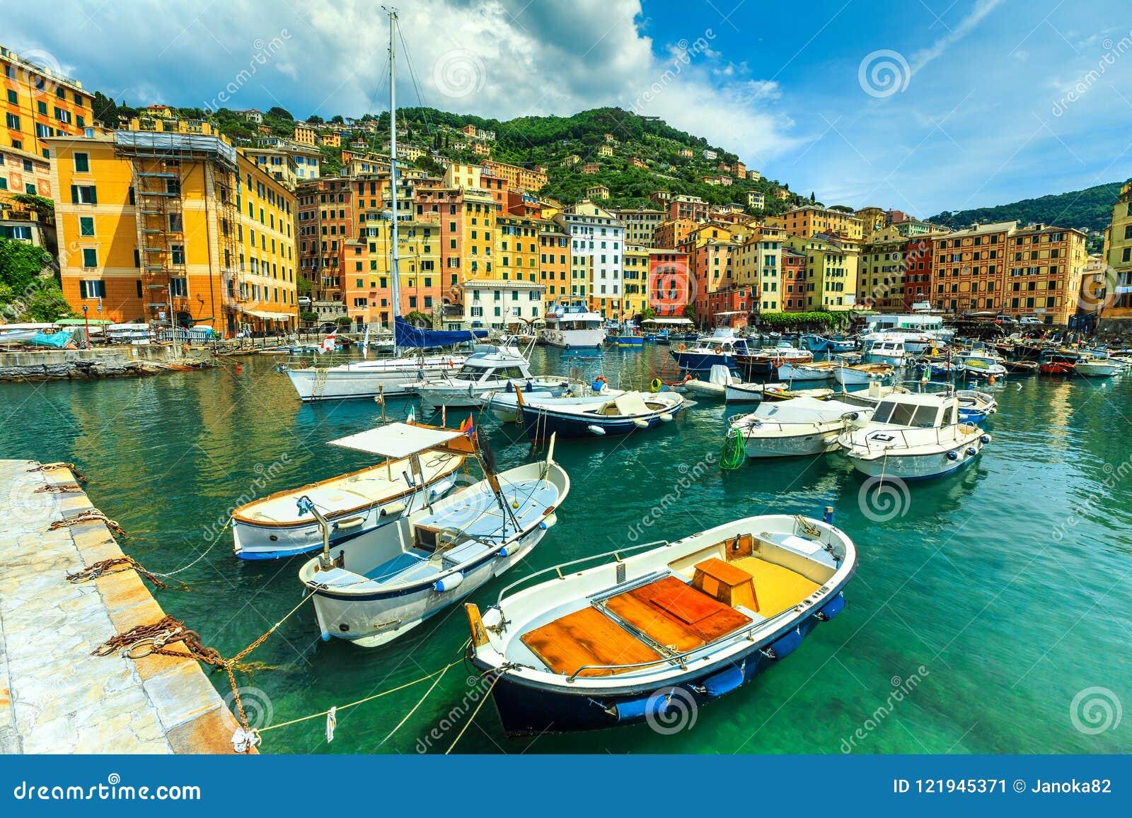Porto Mediterraneo Spettacolare Con Gli Yacht, Località Di ...