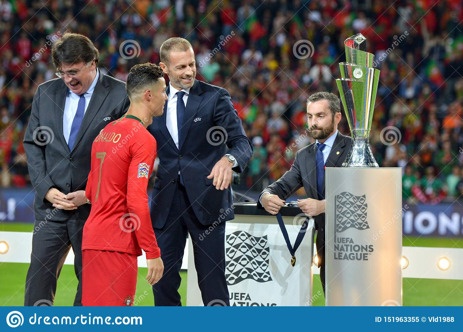 Porto Portuglal June 09 2019 Cristiano Ronaldo Receive Gold Medals During The Uefa Nations League Finals Match Between Editorial Image Image Of Game Grass 151963355