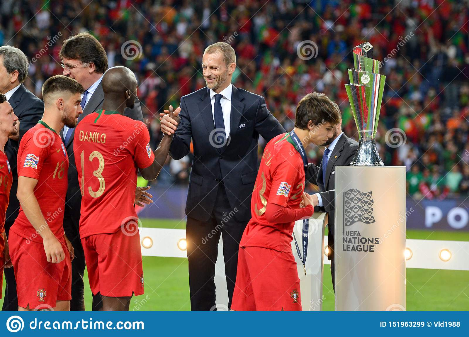 Porto Portuglal June 09 2019 Danilo Pereira National Team Receive Gold Medals During The Uefa Nations League Finals Match Editorial Stock Image Image Of Green Competition 151963299