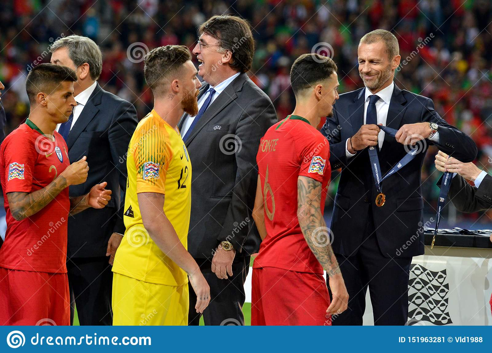 Porto Portuglal June 09 2019 Portugal National Team Receive Gold Medals During The Uefa Nations League Finals Match Between Editorial Photo Image Of Ball Field 151963281