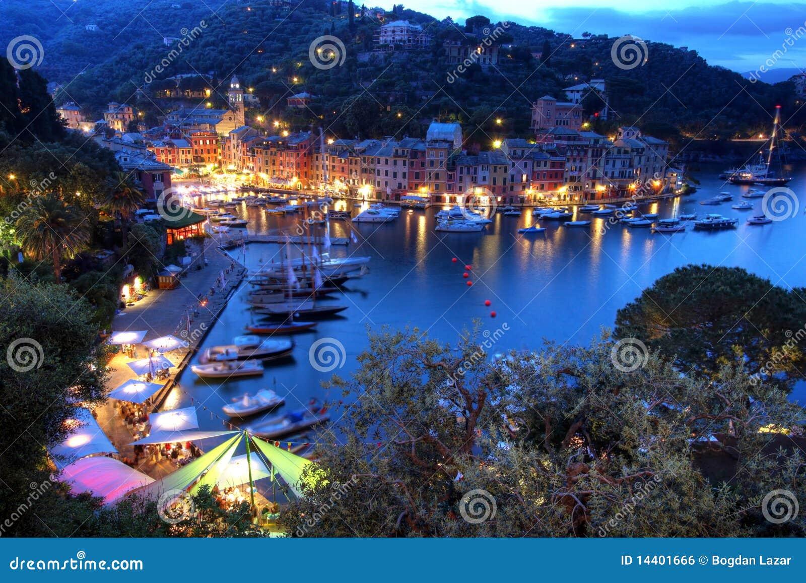 Portofino νύχτας της Ιταλίας