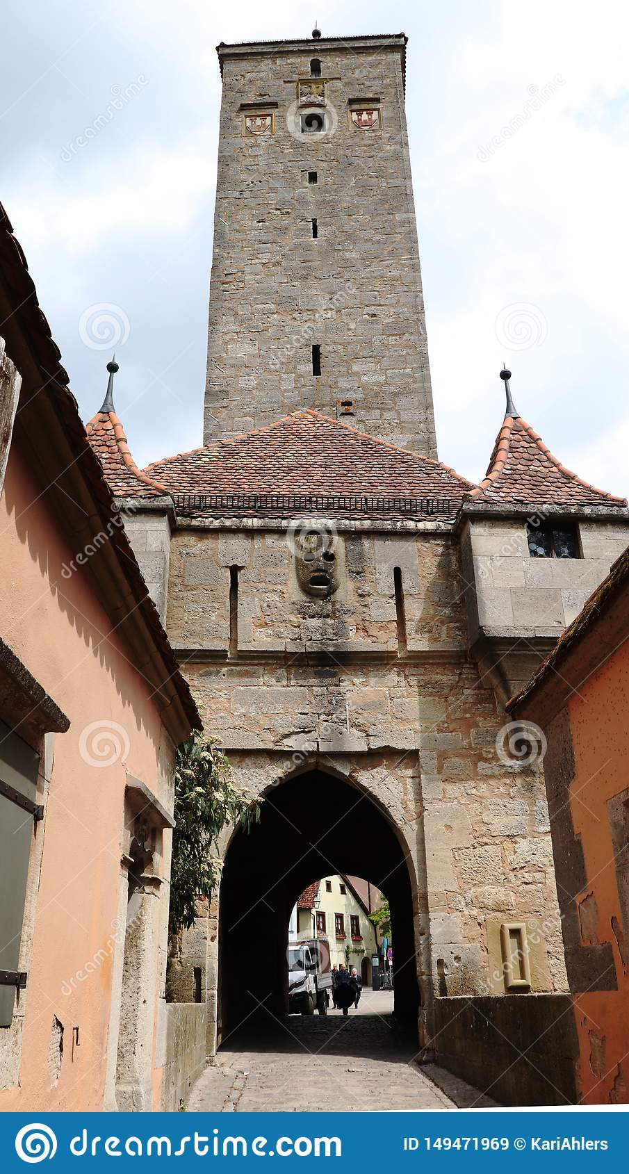 Portone del castello nel der Tauber, Germania del ob di Rothenburg