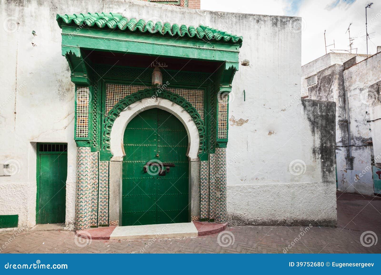 Portone di legno verde della moschea antica marocco for Planimetrie della casetta di legno
