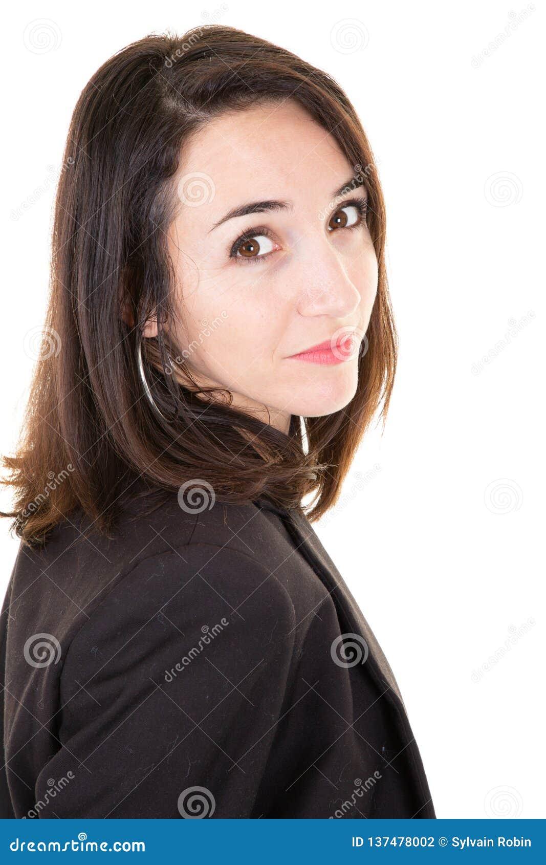 Porträt der attracive jungen Geschäftsfrau, die Kamera lokalisierten weißen Hintergrund betrachtet