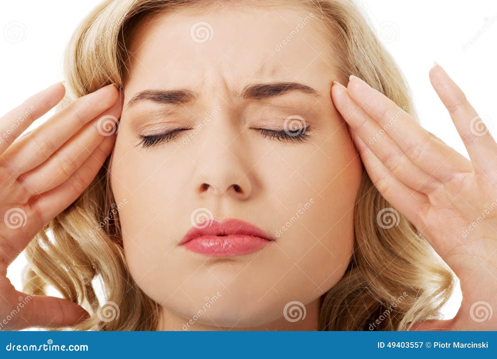 Download Porträt Der Jungen Frau Mit Enormen Kopfschmerzen Stockbild - Bild von beiläufig, frau: 49403557