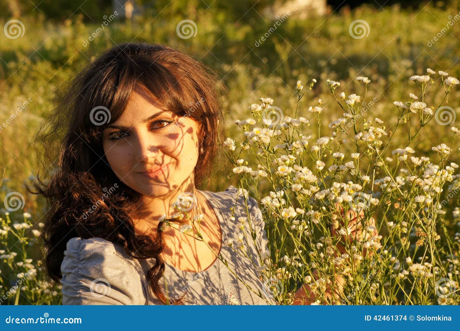 Porträt des kühlen Mädchens