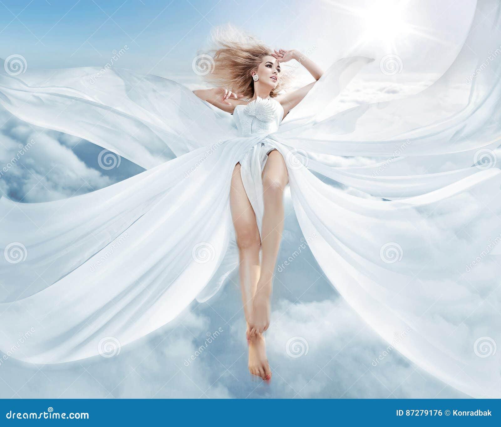 Porträt einer blonden Nymphe des Fliegens