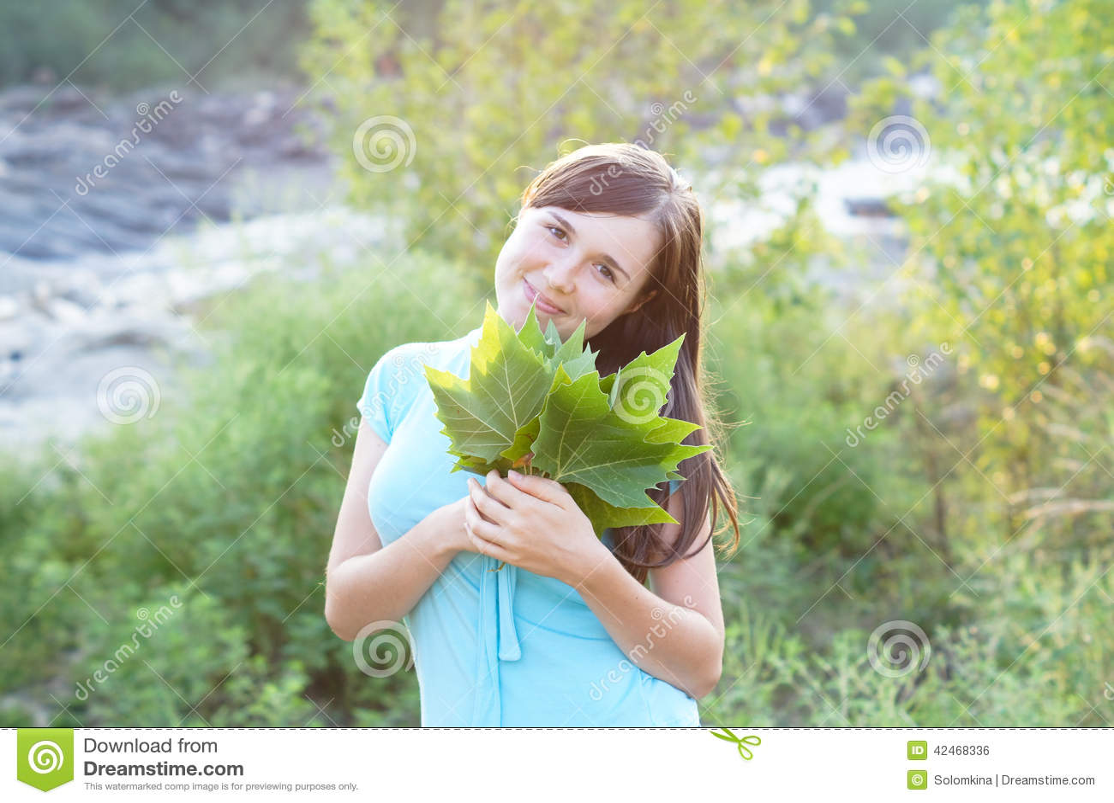 Porträt eines jungen hübschen Mädchens