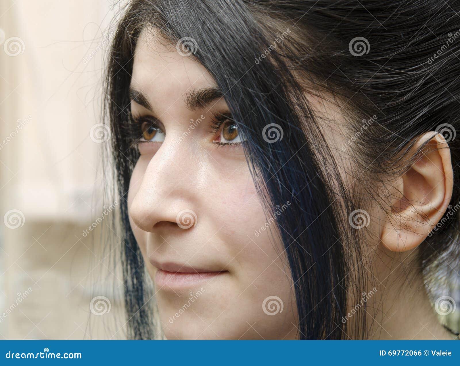 schwarze haare braune augen