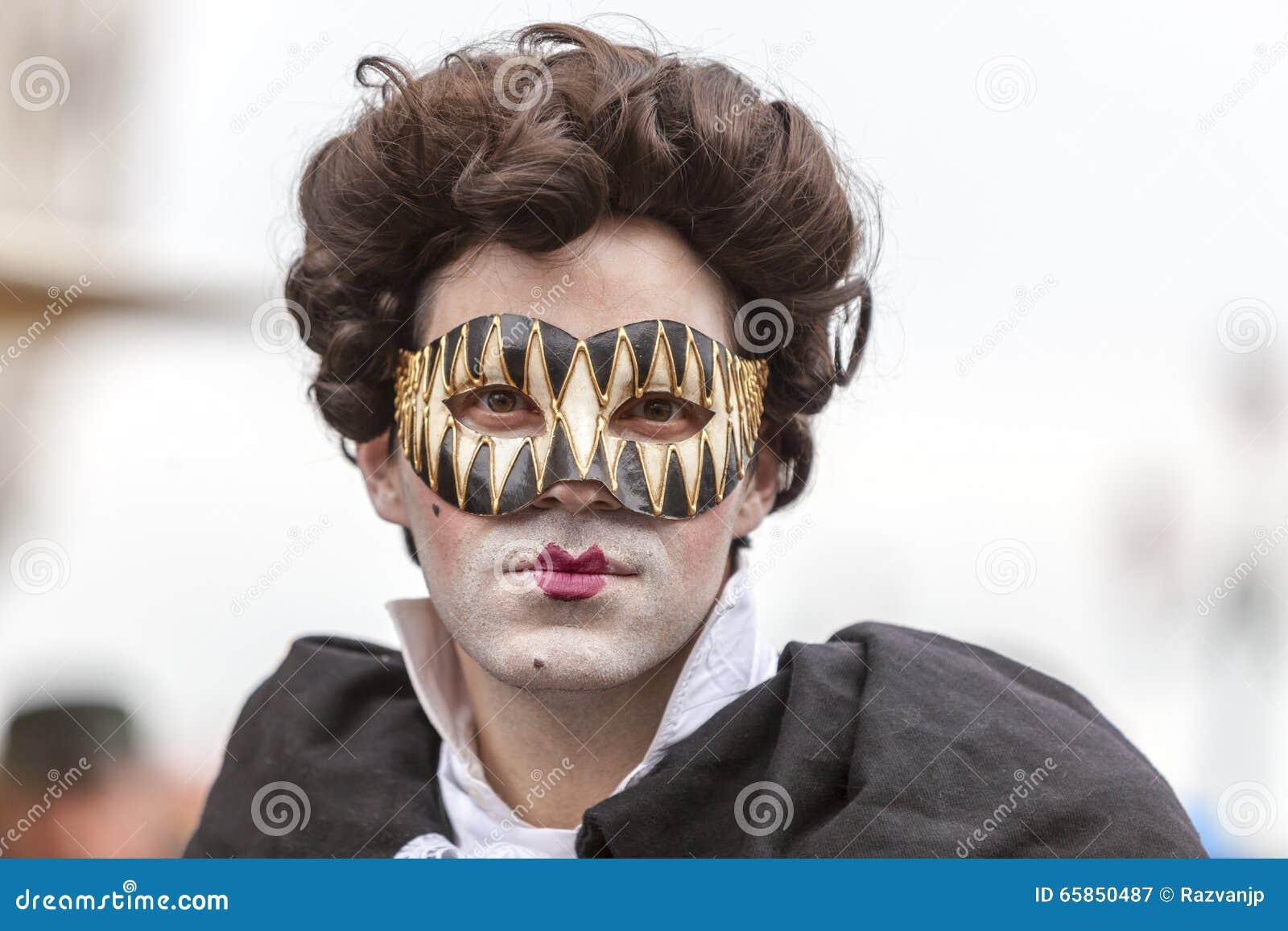 Porträt eines Mannes mit einer Maske - Venedig-Karneval 2014