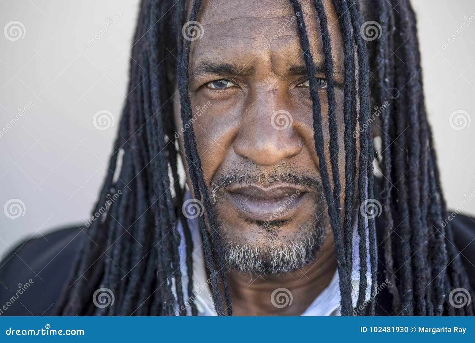 Bilder von einzelnen schwarzen Männern