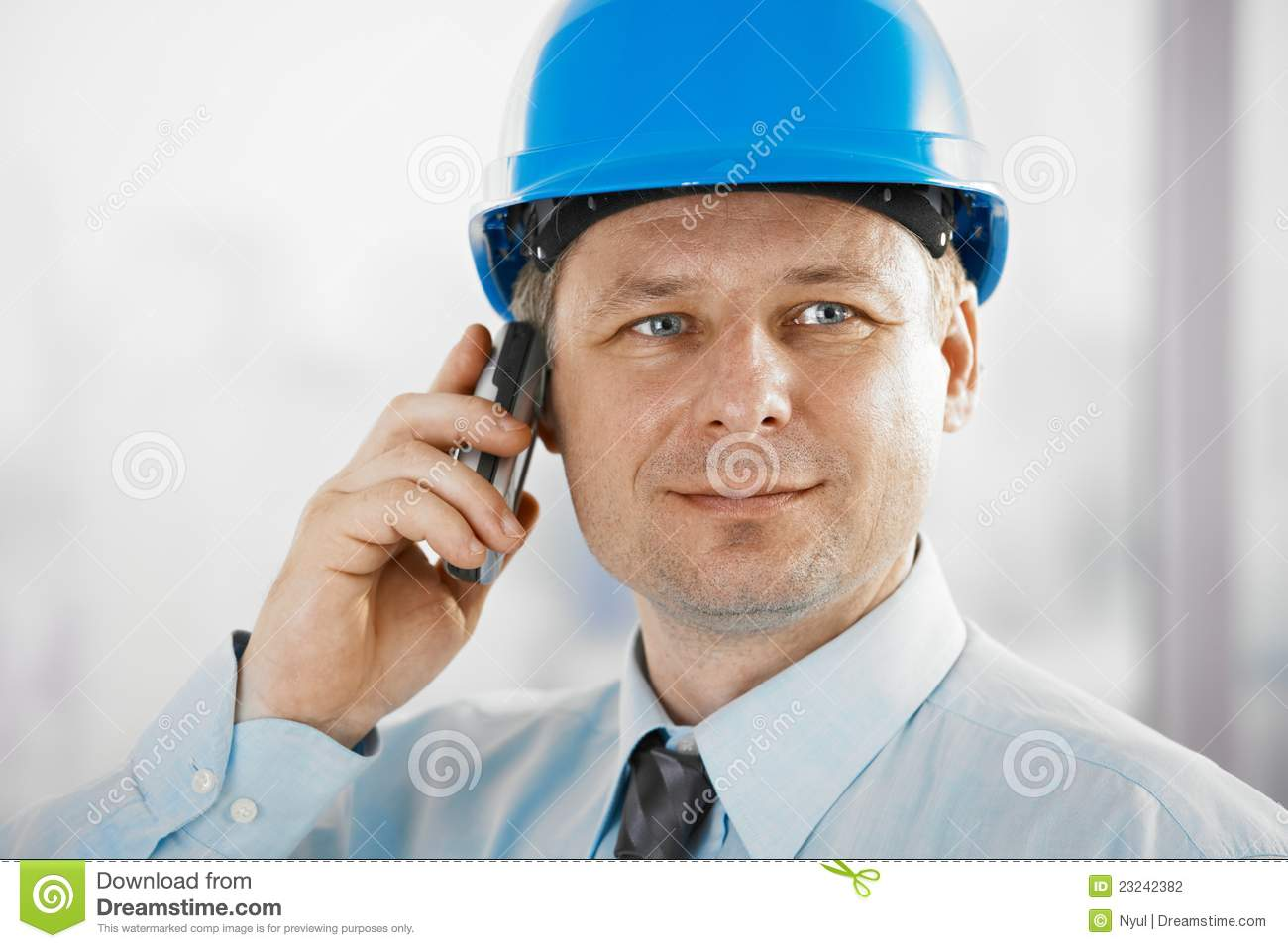 Portrait of architect with mobile
