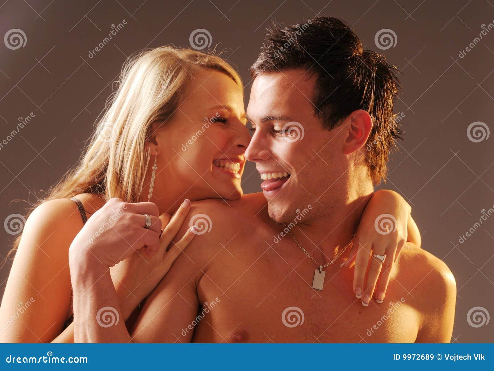 порно лесби подруга совращает подругу
