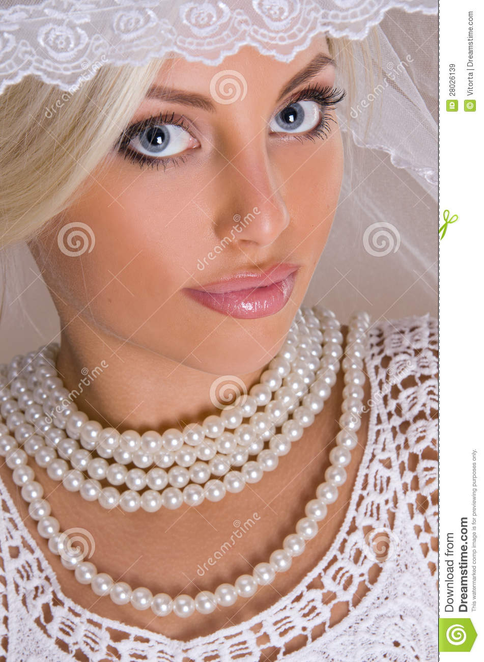 Portrait Of Beautiful Blonde Bride Royalty Free Stock