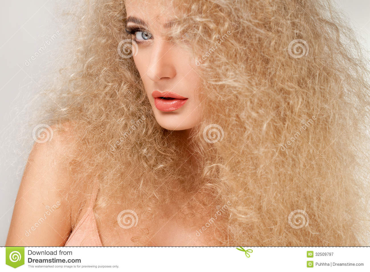 how to keep blonde curly hair healthy