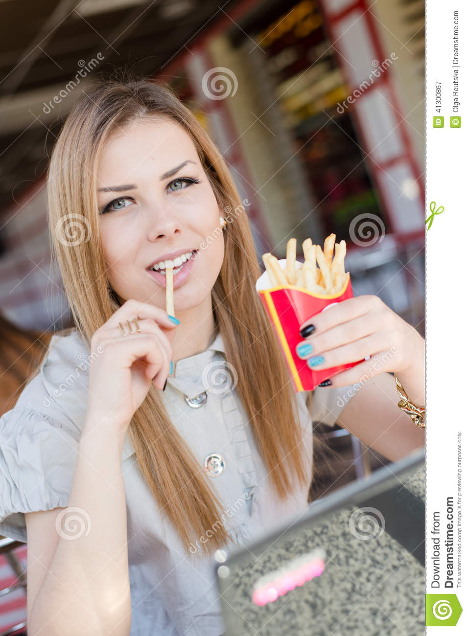 "fries women These are the facts of the case and they are undisputed: 1 french fries are delicious 2 french fries dipped in a mixture of ketchup and mayonnaise are divine 3 did you know that's called ""fry sauce"" in."