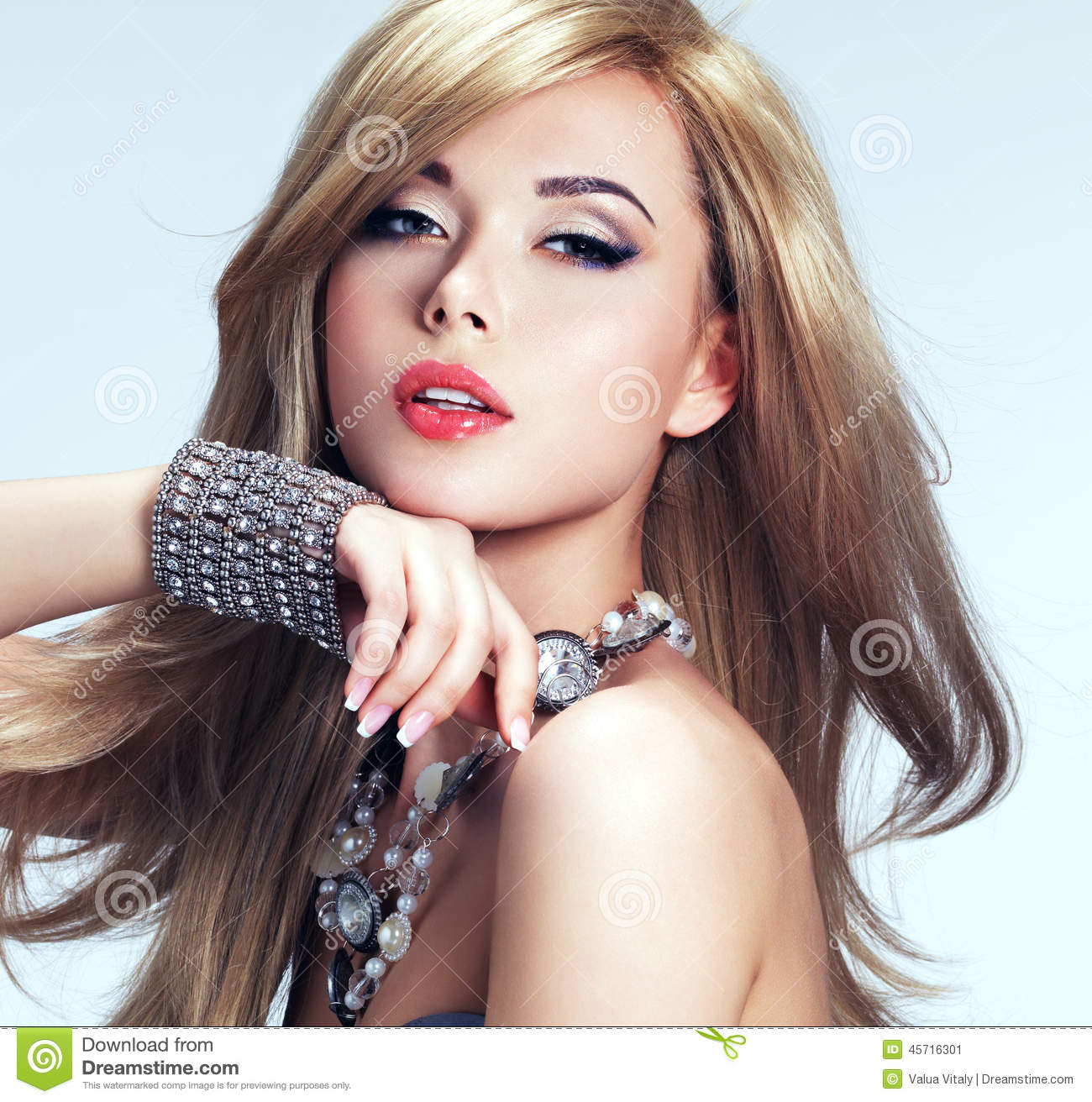 Lipstick Pretty Girl Faces: Portrait Of A Beautiful Fashion Woman With Bright Makeup