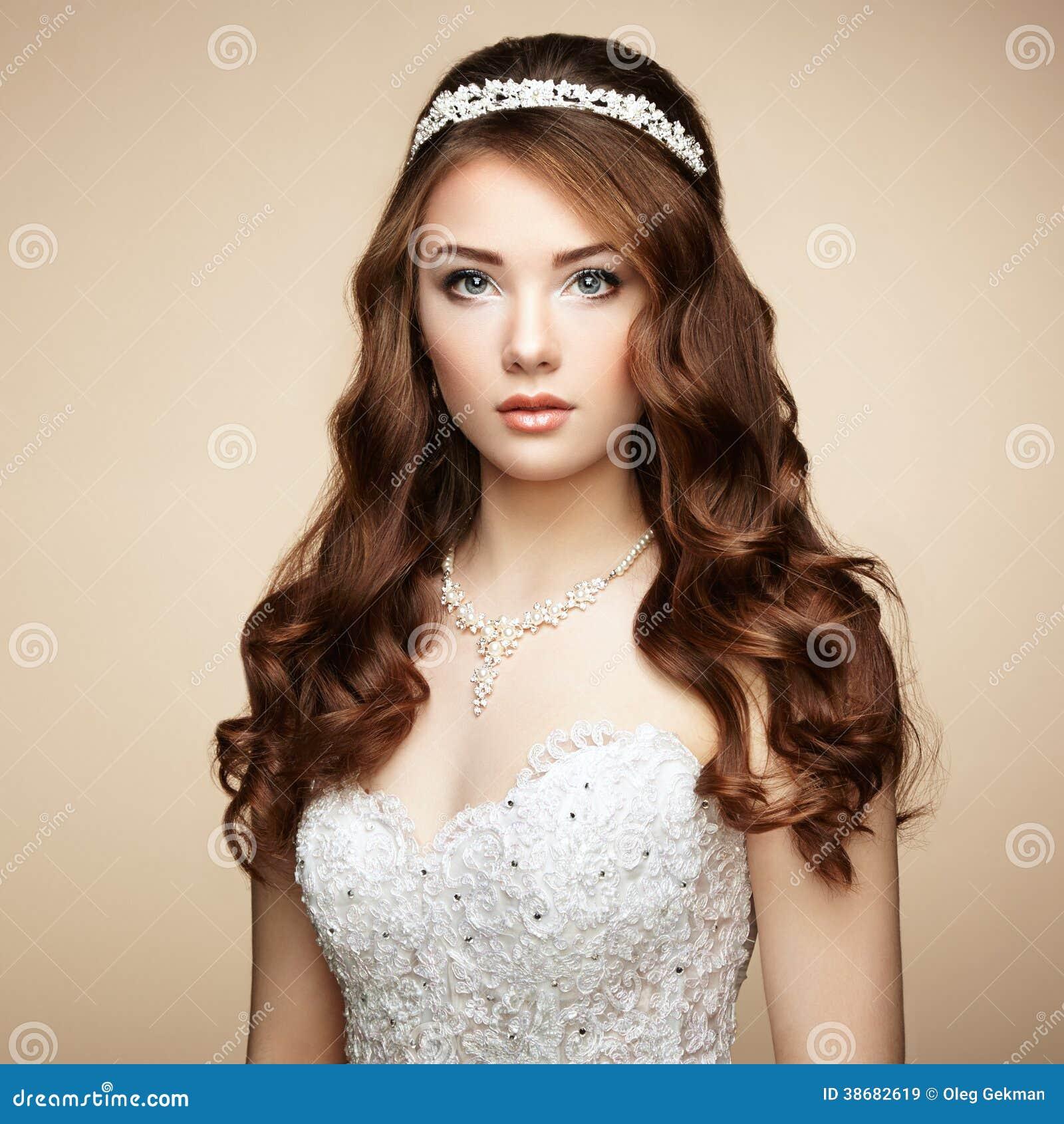 Classy And Glamorous Photo: Portrait Of Beautiful Sensual Woman Royalty Free Stock