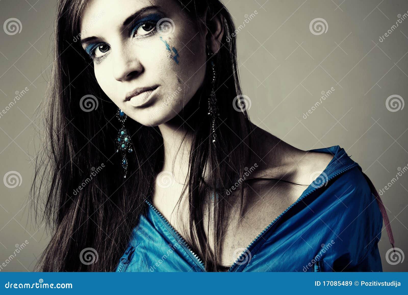Portrait a beautiful young woman