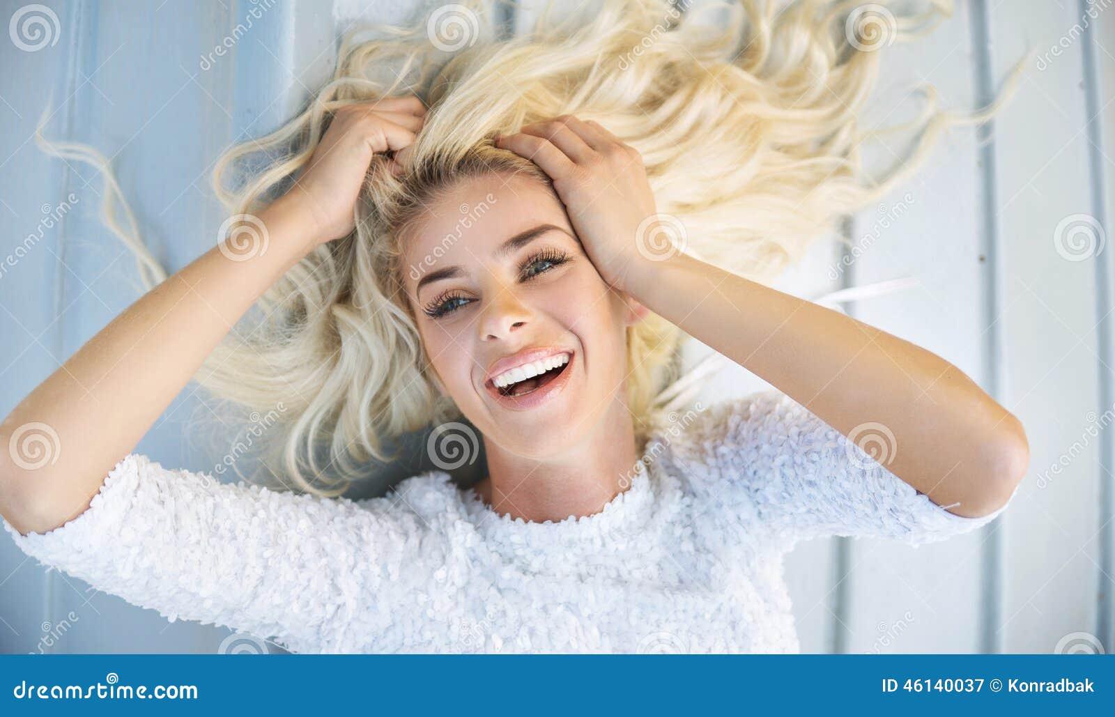 Фото известных блондинок 12 фотография