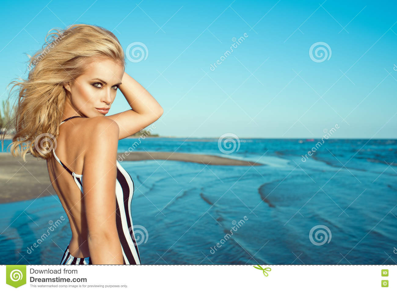 Sleazy Fucking Naked Girl On Sea Side