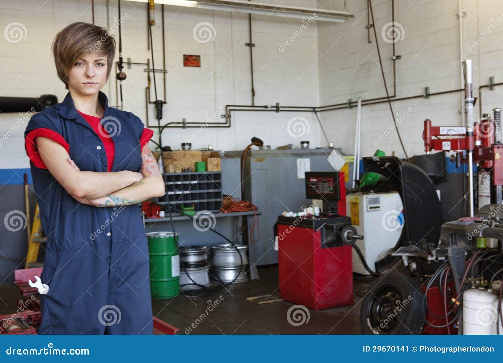 Displaying 17> Images For - Mechanic Garage Design...