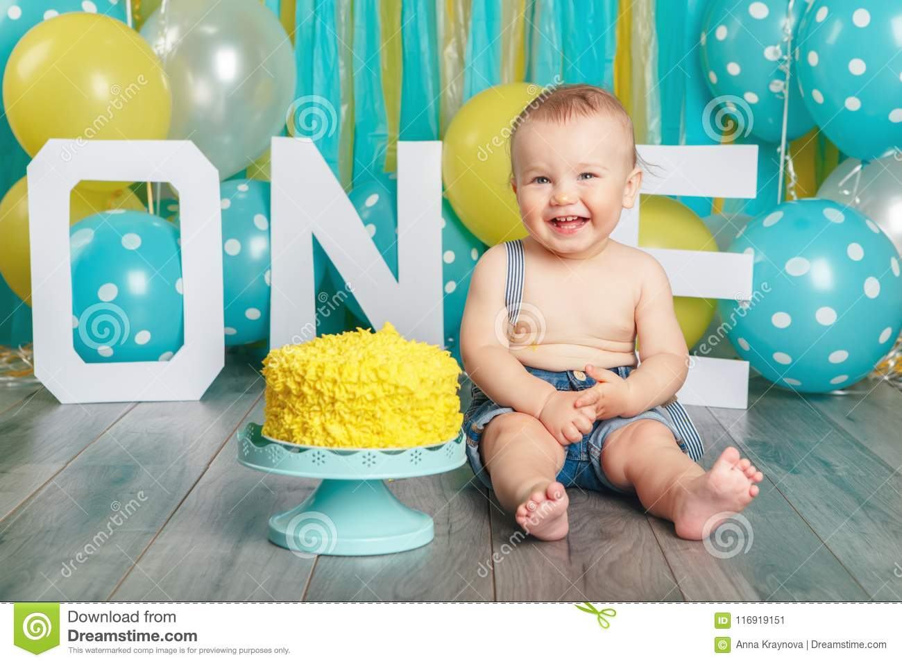 Peachy Caucasian Baby Boy Celebrating His First Birthday Cake Smash Personalised Birthday Cards Beptaeletsinfo